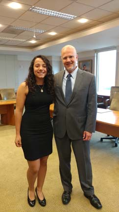 2017 SYPIP Intern Maya AlMoussa and President Grant Oliphant at her final presentation to The Heinz Endowments staff (Photo by Amma Ababio)