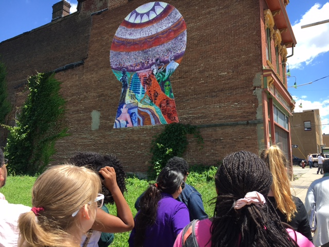 2017 SYPIP Interns observing wall murals in the Hill District. Taken by Joey Scapellato