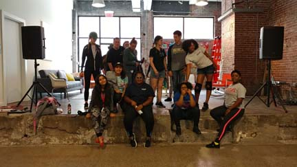 2017 SYPIP Interns volunteering at 412 Food Rescue in East Liberty (Photo by Amma Ababio).