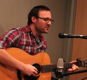 Live Music: Robby Hecht